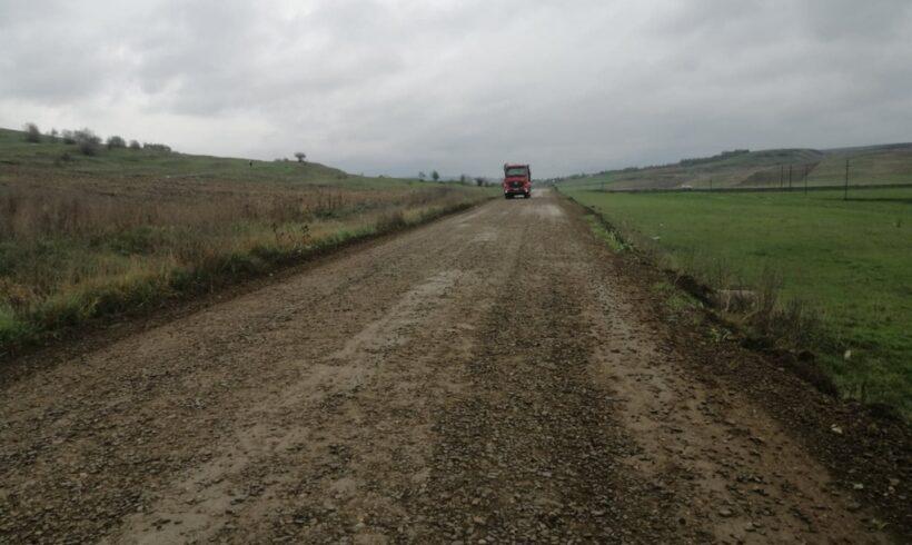 ziare.com: Cât de săracă este cu adevărat Moldova după 30 de ani de abandon din partea Bucureștiului. În 2020, regiunea are 1.392 km de drum de pământ